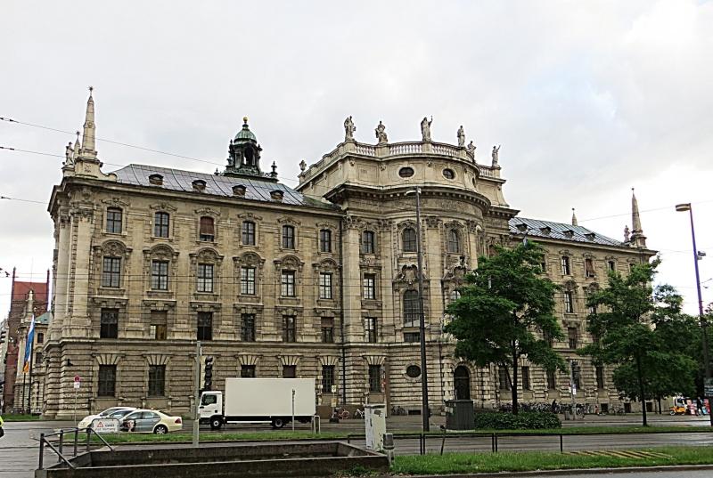 Das Landgericht München 1 hat den Verhandlungstermin auf den 27. Maärz 2019 festegelegt.